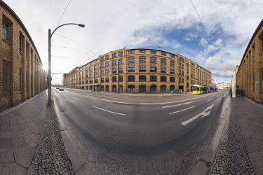 Leuchtenfabrik in Berlin © Tobi Bohn